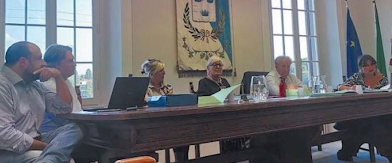 <a href='dettagli.aspx?c=20&sc=2&id=32&tbl=news'><div class='slide_title'><h3>Tellini guida dei cammini da Firenze a La Verna</h3></div><div class='slide_text'><span>Gianpaolo Tellini, sindaco di Chiusi della Verna, è stato eletto sindaco capo fila de cammini Firenze-La Verna. La conferenza dei sindaci dei comuni che fanno parte della via Ghibellina, il nuovo Camm ...</span></div></a>